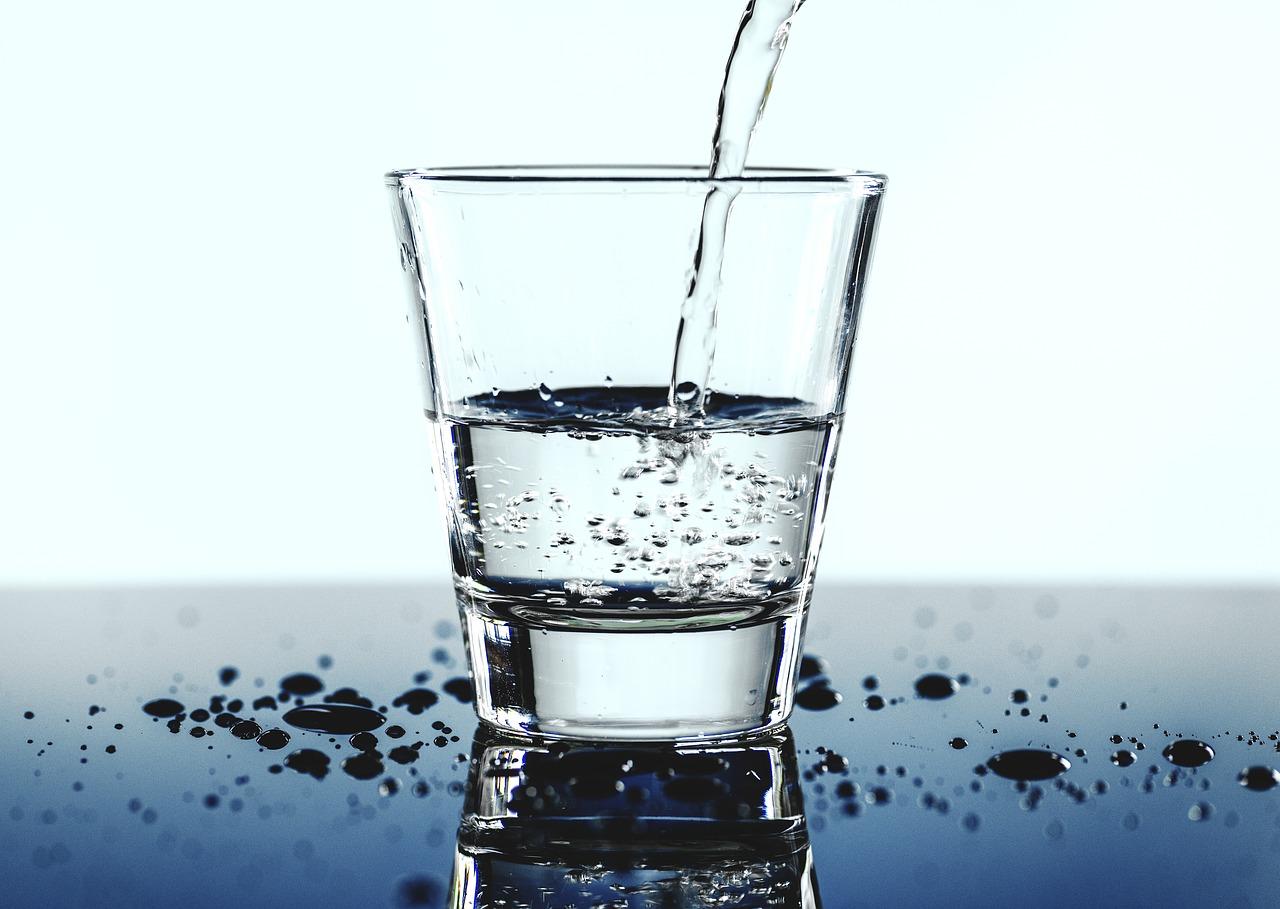 Mani screpolate: idratazione