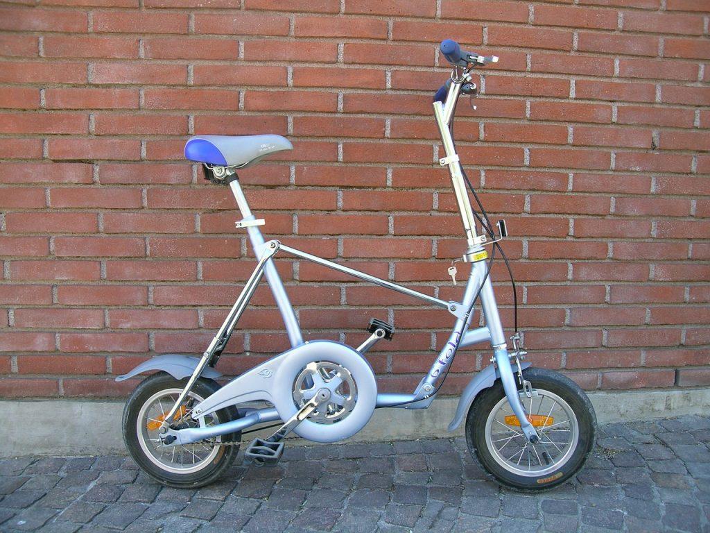 bici pieghevole con ruote piccole