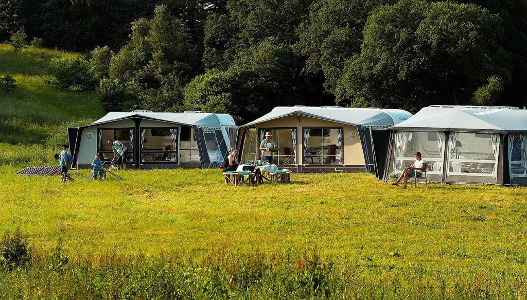 tende da campeggio di grandi dimensioni
