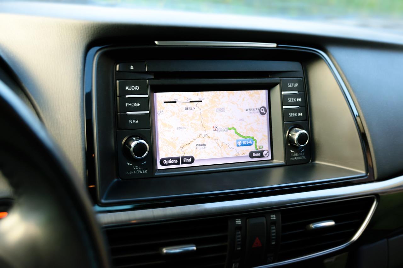 autoradio con navigatore satellitare