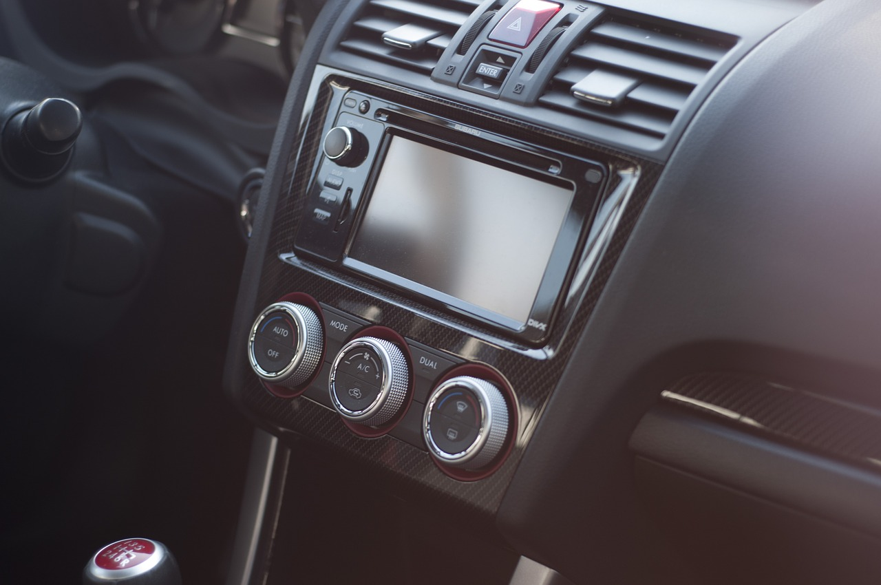 autoradio e navigatore